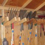 Где хранить садовый инвентарь и инструменты