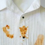Чем вывести масляное пятно на ткани