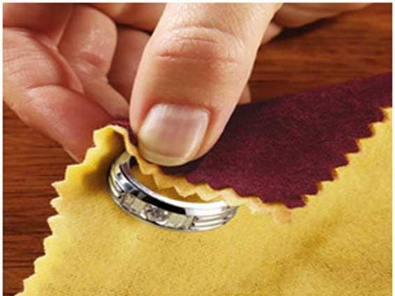 Как почистить серебряное кольцо в домашних условиях 56