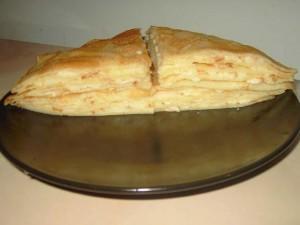 Пирог из блинов с сыром